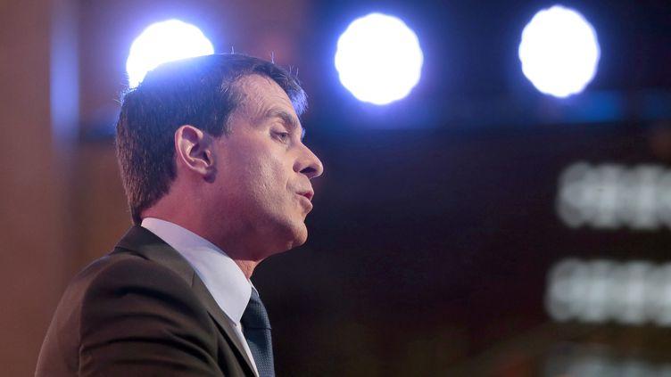 Le Premier ministre, Manuel Valls, prononce le discours de clôture de la conférence sociale, le 8 juillet 2014, à Paris. (JACQUES DEMARTHON / AFP)