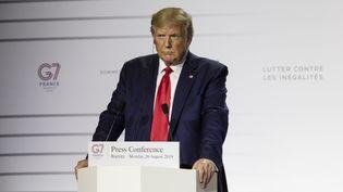 Le président américain Donald Trump, le 26 août 2019 lors du G7 à Biarritz (Pyrénées-Atlantiques). (RITA FRANCA / NURPHOTO / AFP)