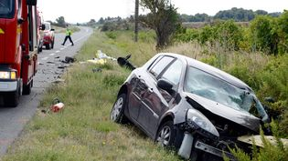 Un accident mortel de la route à Moux, dans l'Aude, le 2 septembre 2018. (MAXPPP)