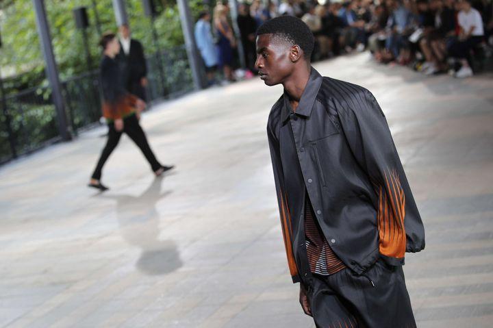 Issey Miyake printemps-été 2019, en juin 2018 à Paris  (Francois Mori/AP/SIPA)