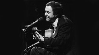 João Gilberto vers 1970 (TOM COPI / MICHAEL OCHS ARCHIVES / GETTY IMAGES)