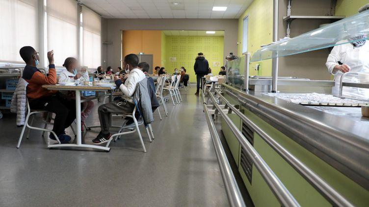 Une cantine scolaire à Marseille, le 1er février 2021. (MAXPPP)