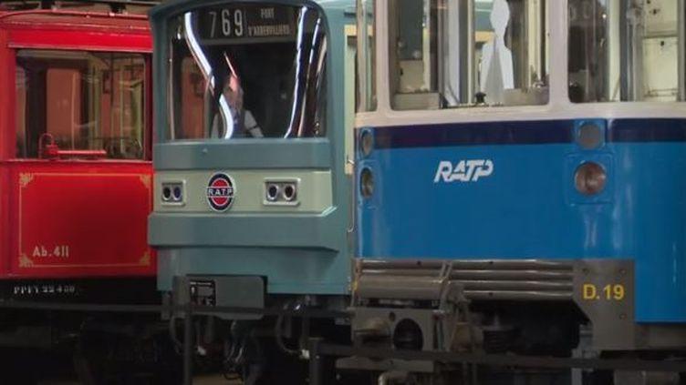 Monter à bord d'un bus de la Seconde Guerre mondiale, ou encore de la première rame de métro mise en service... Pour les journées du patrimoine, la RATP a pensé un jeu de pistes. Reportage. (FRANCE 3)