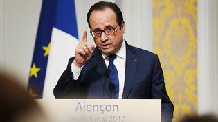 Françoise Hollande lors d'une allocution à Alençon(Orne), le 4 mai 2017 (CHARLY TRIBALLEAU / AFP)