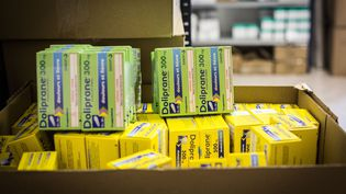 Un carton de boîtes de paracétamol, le 13 mai 2020. (BURGER / PHANIE / AFP)