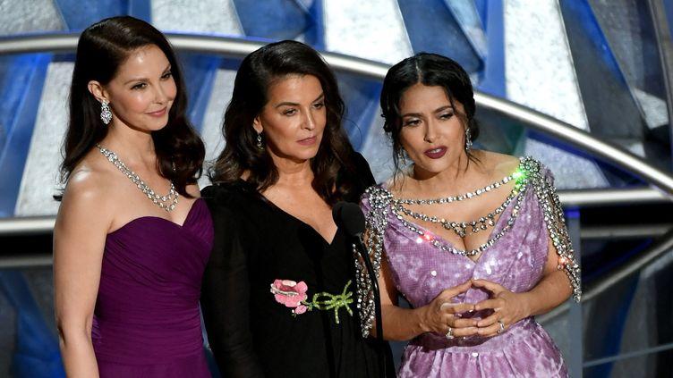 Oscars 2018 : Ashley Judd, Salma Hayek et Annabella Sciorratrois actrices qui ont été harcelées sexuellement et menacées par le producteur Harvey Weinstein, lancent une vidéo rendant hommage à #MeToo et prônant la diversité à Hollywood.  (KEVIN WINTER / GETTY IMAGES NORTH AMERICA / AFP)