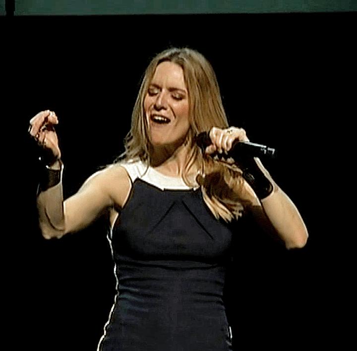 Sa chanteuse préférée Céline Dion  (France 3 / Culturebox)