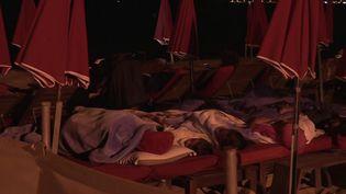 Des maisons, des campings pris au piège des flammes,ont obligéles vacanciers et habitants du coin à quitter les lieux pour ne pas se mettre en danger. (FRANCE 3)