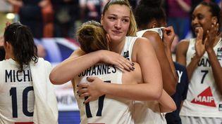 Les Françaises se sont imposées face à Porto Rico lors du premier match de préparation pour les Jeux olympiques, mardi 20 juillet. (GUILLAUME SOUVANT / AFP)