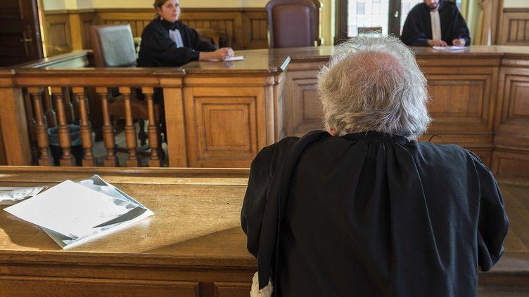 """Dans l'affaire Daval,les avocats marchent sur un fil : de """"l'avocat du salaud, on devient le salaud d'avocat"""", estime Me Véronique Sousset (photo d'illustration). (JEAN-MARC QUINET / ISOPIX / SIPA)"""