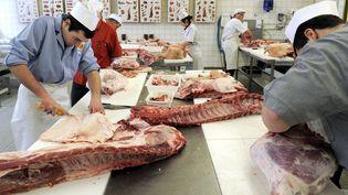 Découpe de la viande dans un CFA boucherie à Nancy (Meurthe-et-Moselle). (/NCY / MAXPPP)