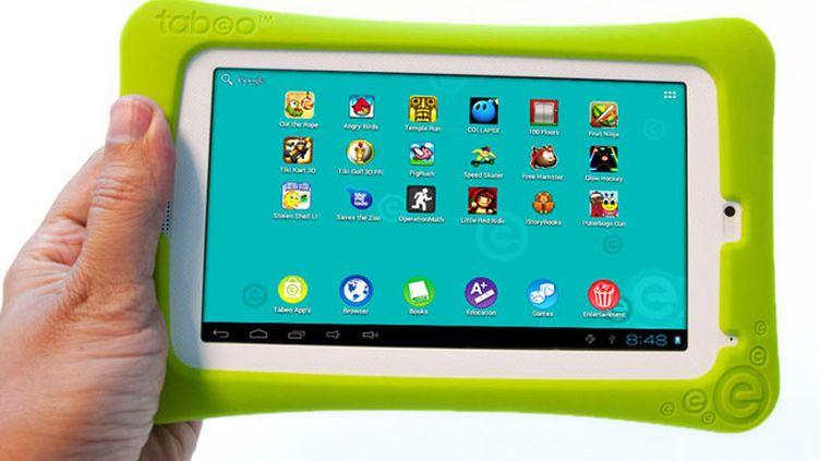 La tablette Tabeo sera commercialisée dans les magasins de jouets Toys'R'Us aux Etats-Unis, à partir du 21 octobre 2012. (TOYS'R'US)
