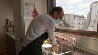 Aide à domicile: une journée avec un auxiliaire de vie (France 3)