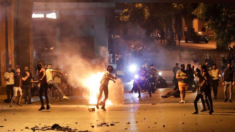 Des opposants au gouvernement ont affronté la police, le 12 juin, à Beyrouth (Liban). (ANWAR AMRO / AFP)