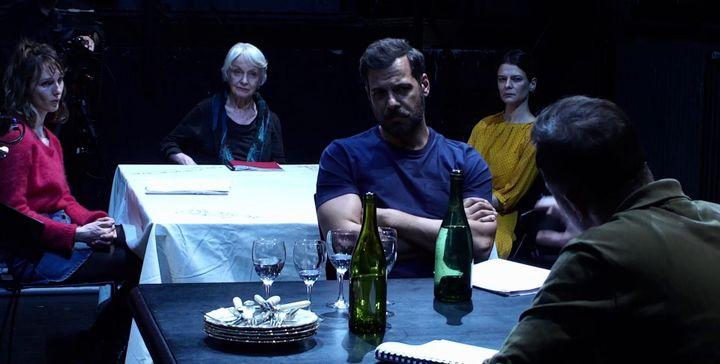 """""""Juste la fin du monde"""" de Jean-Luc Lagarce joué à la table par les comédiens (Comédie-Française)"""