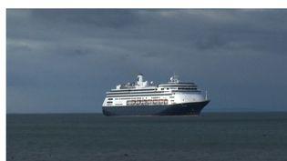 Un nouveau groupe de touristes français est bloqué en mer sur un paquebot à cause du Covid-19. Cette fois-ci, au large du Panama. (France 2)