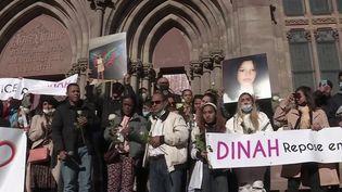 Harcèlement scolaire : marche blanche à Mulhouse pour rendre hommage à Dinah, une adolescente qui s'est suicidée. (FRANCEINFO)