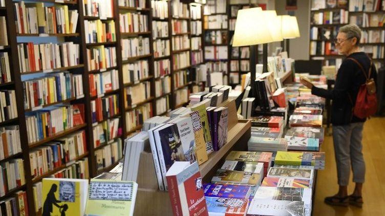 Intérieur et rayonnage d'une librairie indépendante  (Damien MEYER / AFP)