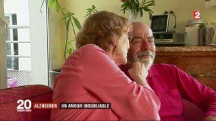 Michèle s'occupe de son mari Jean atteint de la maladie d'Alzheimer. (FRANCE 2)