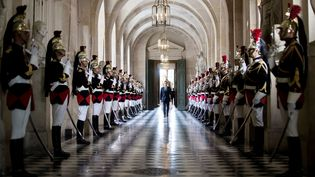 Le président de la République, Emmanuel Macron, arriveau châteaude Versailles pour s'exprimer devant le Congrès, le 3 juillet 2017. (ETIENNE LAURENT / AFP)
