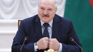 Le président biélorusse Alexandre Loukachenko lors d'un sommet à Minsk (Biélorussie), le 28 mai 2021. (DMITRY ASTAKHOV / AFP)
