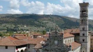 L'Italie reste le pays d'Europe le plus meurtri par le nouveau coronavirus, le deuxième dans le monde. Une ville intrigue : Prato. Elle n'a enregistré que 29 décès pour près de 200 000 habitants. (FRANCE 2)