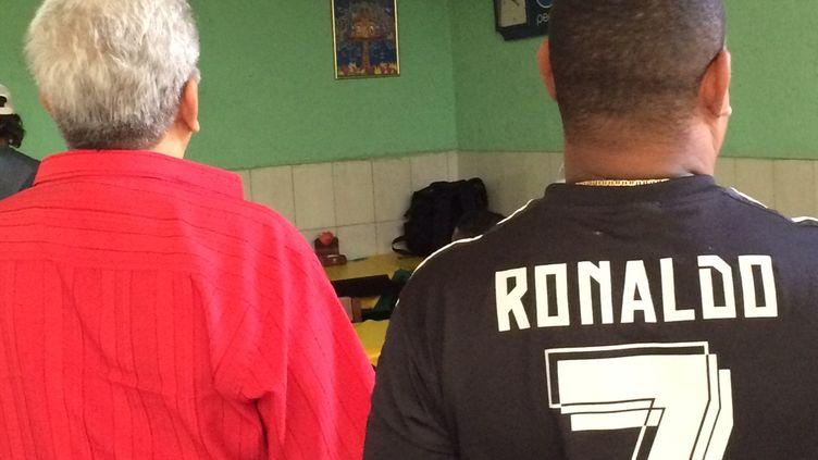 La première rencontre de l'équipe de foot masculine du Brésil a suscité un certain intérêt