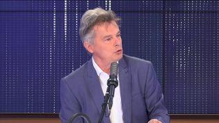 """Fabien Roussel,secrétaire national du PCF était l'invité du """"8h30 franceinfo"""", jeudi 13 mai 2021. (FRANCEINFO / RADIOFRANCE)"""