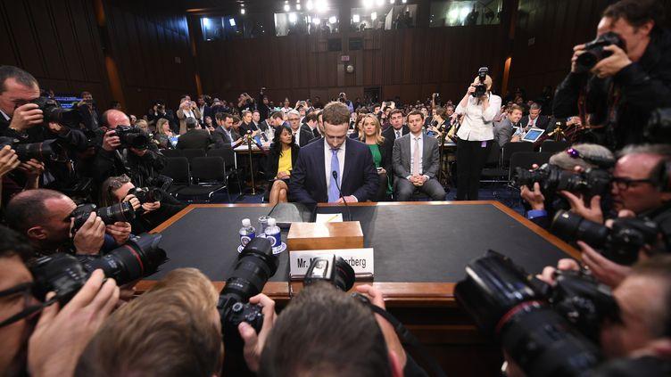 Mark Zuckerberg, PDG de Facebook, avant son audition devant les membres de la Commission du commerce, des sciences et des transports du Sénat américain, à Washington, le 10 avril 2018. (JIM WATSON / AFP)
