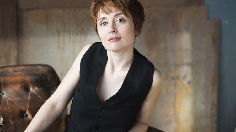 Céline Mauge alias Laughing Seabird (SARAH ROBINE)
