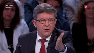 """Jean-Luc Mélenchon sur le plateau de """"Des paroles et des actes"""" sur France 2, le 26 mai 2016. (FRANCE 2)"""