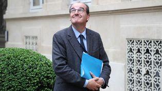 Jean Castex,le coordonnateur national à la stratégie de déconfinement, arrive au ministère de l'Intérieur (Paris), le 29 avril 2020. (LUDOVIC MARIN / AFP)