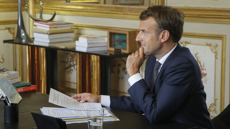 Emmanuel Macron à l'Elysée, le 26 juin 2020. (MICHEL EULER / POOL)