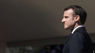 Emmanuel Macron, lors d'une cérémonie d'hommage aux soldats de la seconde guerre mondiale, le 31 mars 2019, dans les Alpes. (LUDOVIC MARIN / AFP)