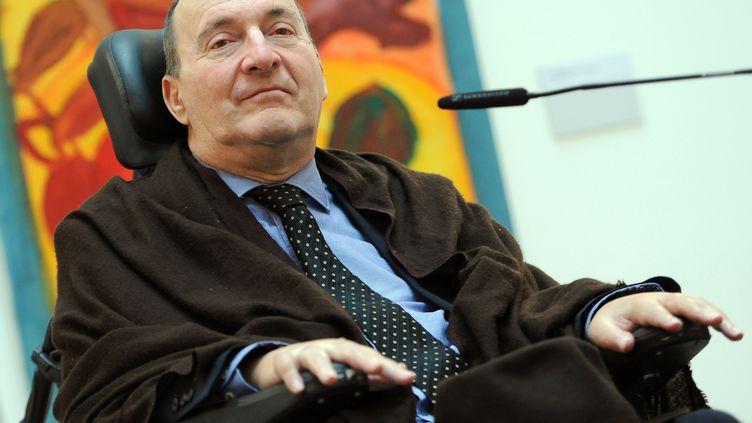 Philippe Pozzo di Borgo lors d'une conférence de presse à Berlin (Allemagne), le 4 décembre 2012. (BRITTA PEDERSEN / DPA / AFP)