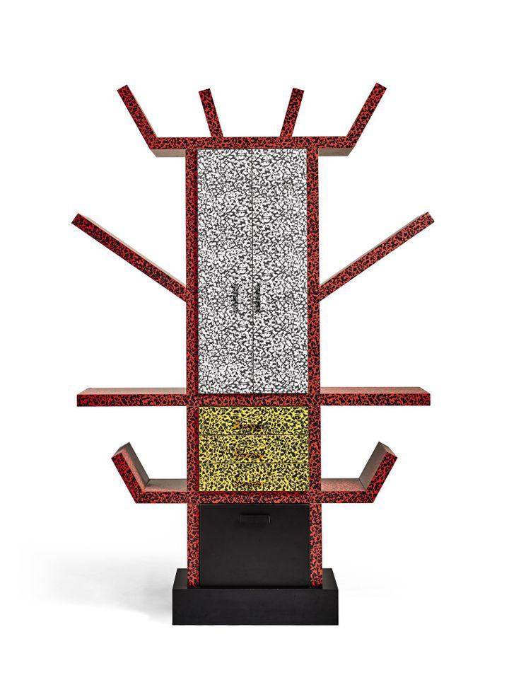 """""""Casablanca Sideboard"""" d' Ettore Sottsass (1981) de la collection Bowie.  (Sotheby's)"""