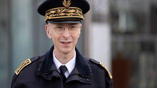 Le préfet de police de Paris, Didier Lallement, lors d'une opération de contrôle des mesures du confinement place d'Italie, le 18 mars 2020. (THOMAS SAMSON / AFP)