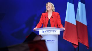 La candidate du Front national, Marine Le Pen, à Paris, le 17 avril 2017. (ALAIN JOCARD / AFP)