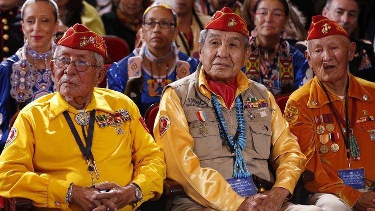 Washington (Etats-Unis)2012.Vétérans «code talkers» écoutant un discours de Barack Obama. ( REUTERS/Larry Downing)
