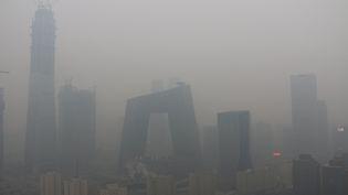 Immeubles dan le smog un jour de forte pollution à Pékin en Chine le 26 janvier 2017 (CHINA STRINGER NETWORK / X03234)