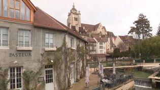 Dans le Jura, la ville de Dole a vu naître l'un des plus grands savants français en 1822 : Louis Pasteur. (FRANCE 3)