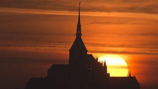 Coucher de soleil sur le Mont-Saint-Michel (15 juillet 2013)  (Damien Meyer / AFP)