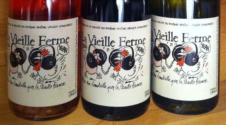 En 2013, on a frôlé la pénurie de ce vin cuvée spéciale Yeah! de La Vieille Ferme, appellation Lubéron, dont l'étiquette était signée Luz.  (Laure Narlian / Culturebox)