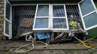 Des dégâts provoqués par les inondations à Trèbes (Aude), le 16 octobre 2018. (BENOIT DURAND / HANS LUCAS / AFP)