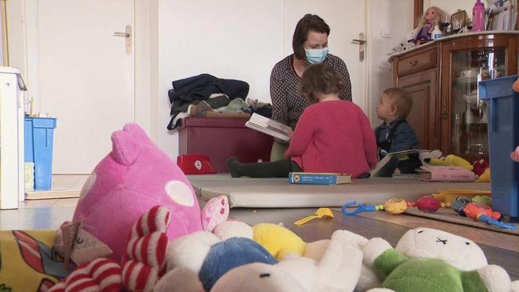 Assistante maternelle. (FRANCE 2)