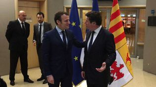 Emmanuel Macron a rencontréle président Les Républicainsde la région Paca, Christian Estrosi, à Marseille (Bouches-du-Rhône), 1er avril 2017. (LA PROVENCE / AFP)