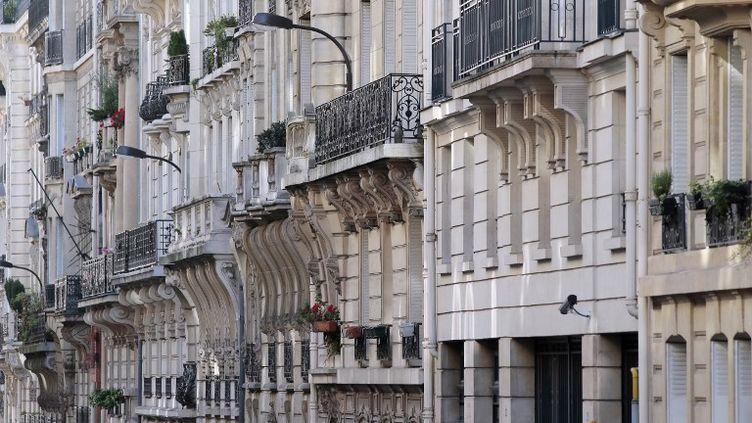 Des façades d'immeubles à Paris, le 28 septembre 2012. (JACQUES DEMARTHON / AFP)