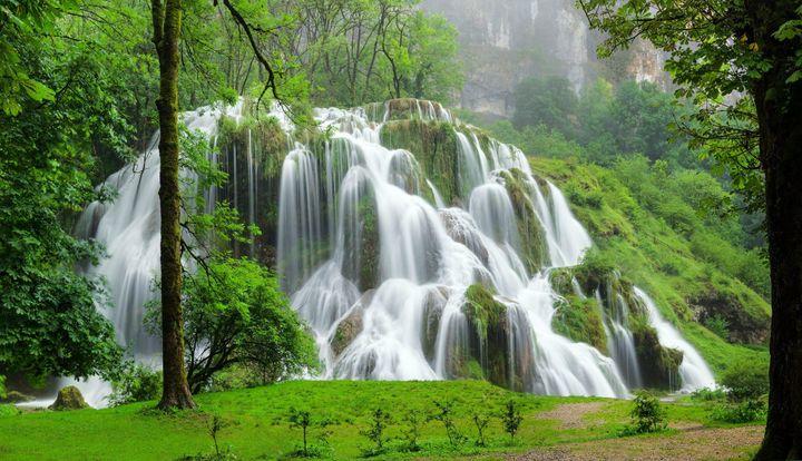 Les cascades de Baumes-les-Messieurs n'ont rien à envier à la beauté de celles que l'on découvre notamment en Thaïlande. (Office de tourisme du Jura)