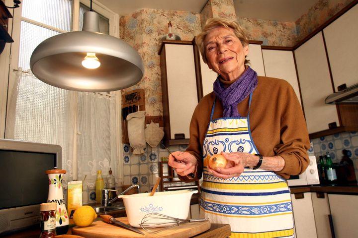 La cuisinière Françoise Bernard dans sa cuisine, le 14 janvier 2009. (MAXPPP)