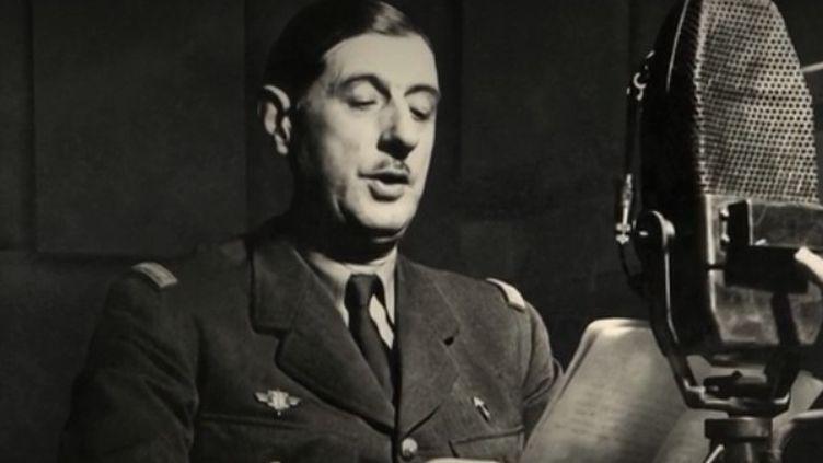 Le général de Gaulle au micro de la BBC le 18 juin 1940 (France 2)